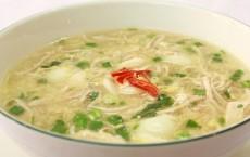 Cách chế biến súp tổ yến với cua và vi cá