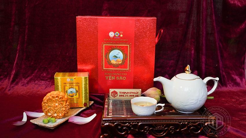 Bánh trung thu yến sào Khánh Hòa